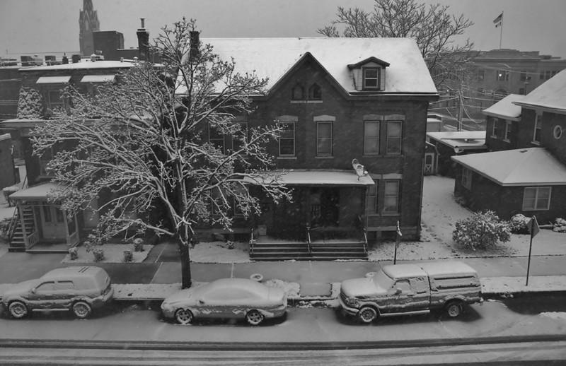 DA096. DB, Snowing.jpg