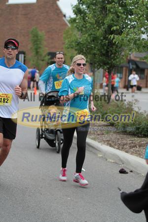 10 Mile & 10K at 5.5 miles, Gallery 2 - 2013 Kona Run