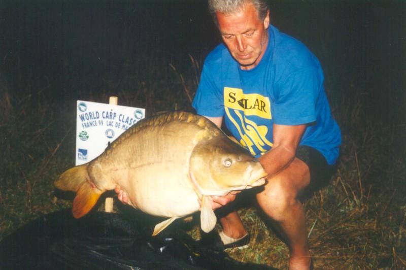 WCC99-Pic - Fish at night