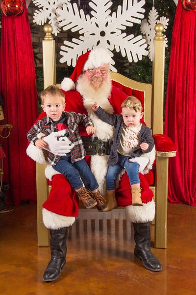 Santa 12-16-17-218.jpg