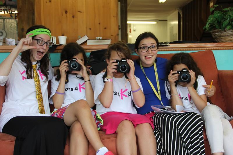 kars4kids_thezone_camp_GirlDivsion_workshops_Photography (30).JPG