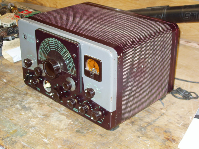 """It's missing the """"cover"""" knob for the crystal sockets.and the original carrier level knob.   About a month later I was lucky and found a complete set of knobs."""