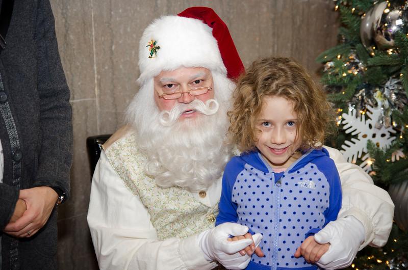 Santa at Grove_63.JPG