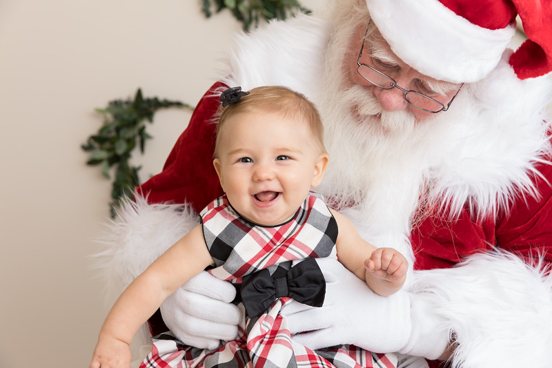 Santa 2017 HIGH Res 370A1042-Edit.jpg
