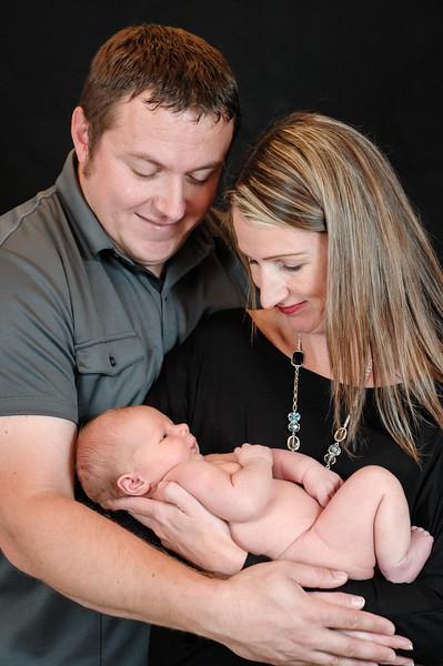 Carson_newborn-8.jpg