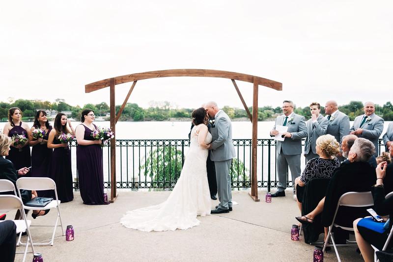 chateau-on-the-river-trenton-michigan-wedding-0306.jpg