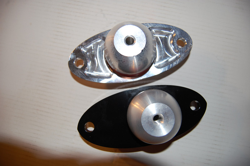 Engine mounts 006.JPG