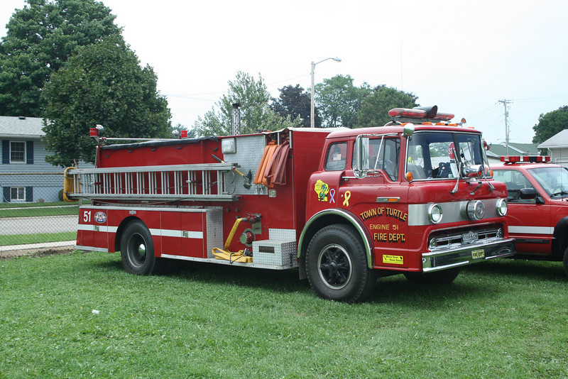TOWN OF TURTLE FD ENGINE 51 FORD / PIRSCH REPAINTED RED FROM LIME GREEN  MONROE FIRE SCHOOL,WI