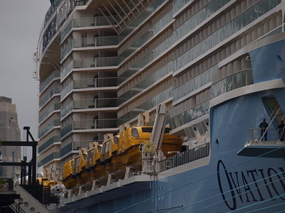 20161215 Ovation of the Seas at the Quay