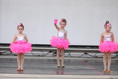 58 Tiny Dancers