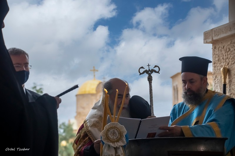 הפטריארך והנרות.jpg