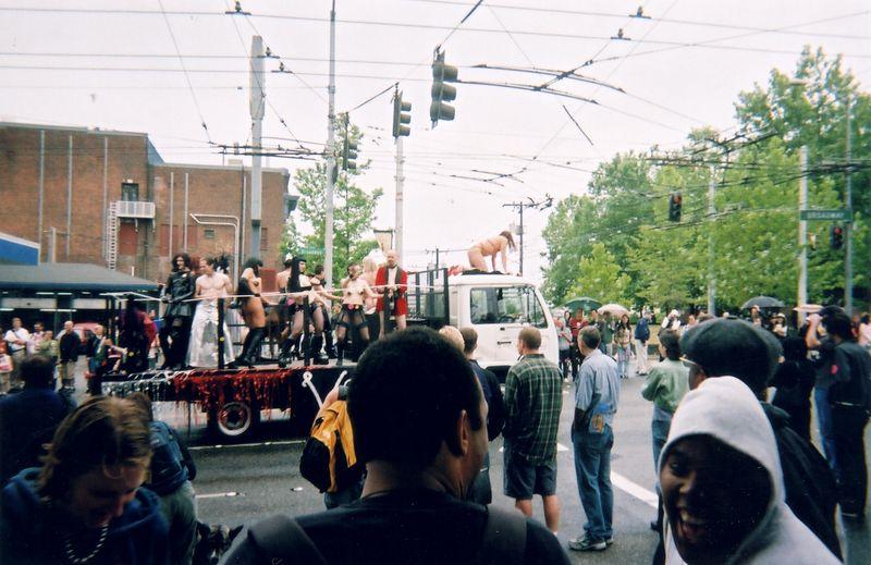 parade_1.jpg