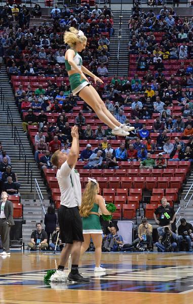 cheerleaders3998.jpg