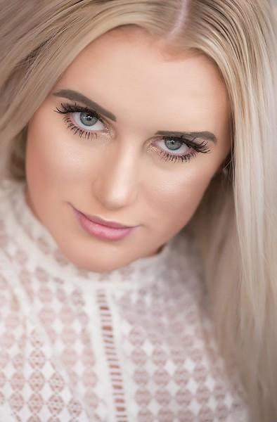 Senior girl close up  - Cedar Rapids Iowa - TruYou photography 1.jpg