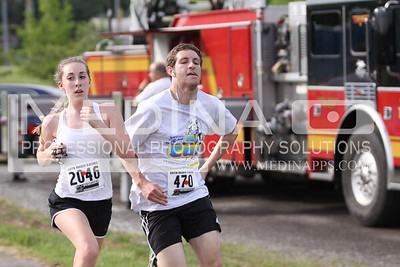 2015 10 Miler Finish Line 2