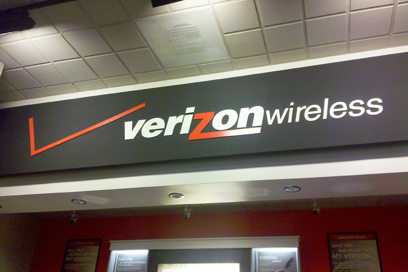 Verizon Wireless 365-258 8x12 72.jpg