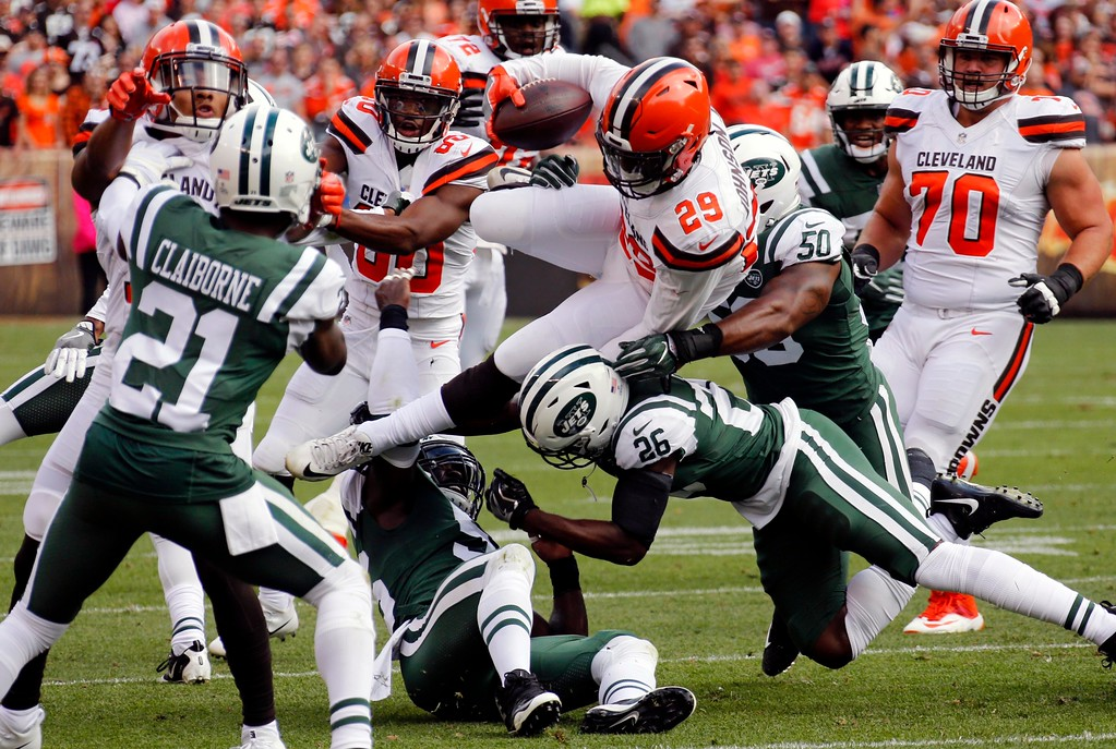 . Cleveland Browns running back Duke Johnson (29) rushes against the New York Jets during the first half of an NFL football game, Sunday, Oct. 8, 2017, in Cleveland. (AP Photo/Ron Schwane)