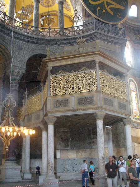 038_HSM_Adding_Minarets_Tombs_Fountains_Loge_Imperiale.jpg