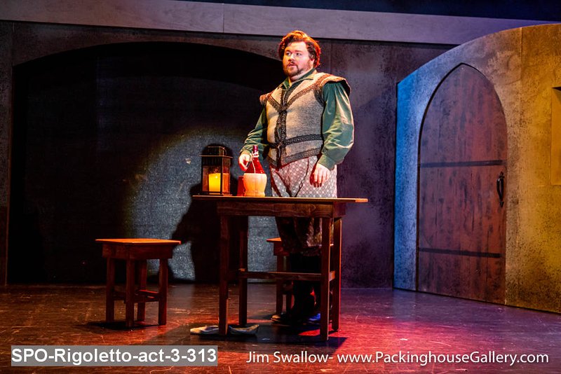 SPO-Rigoletto-act-3-313.jpg