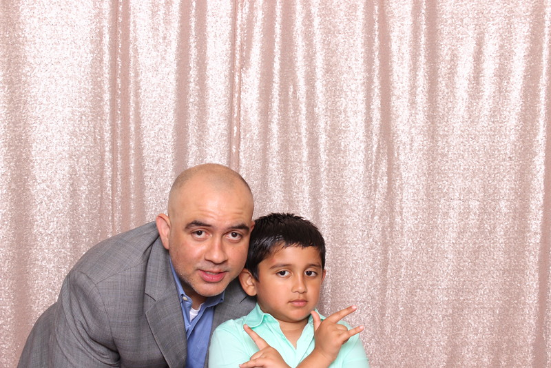 Boothie-PhotoboothRental-PriyaAbe-O-263.jpg