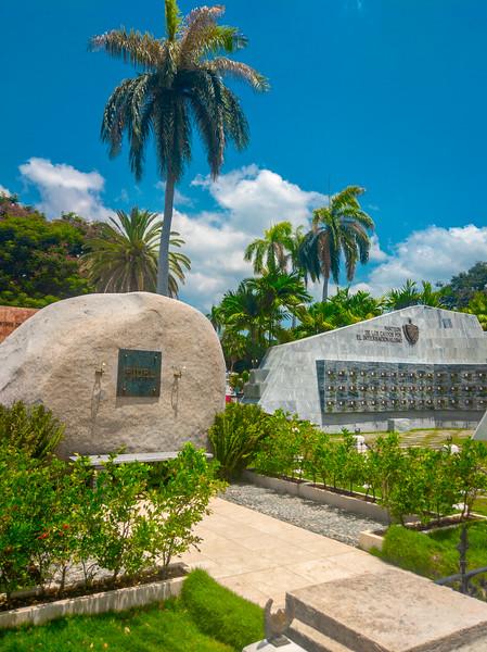 santa ifigrnia cemetery santiago de cuba-7.jpg