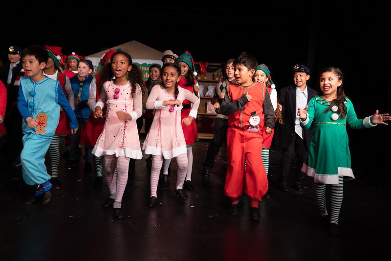 LEAP_elf-jr-dress-rehearsal-172.jpg
