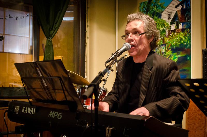 Gregg Inhofer--Black Dog---Mus-8056