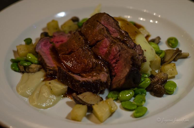 Scotland-Inverness-Highland-Cattle-Steak.jpg