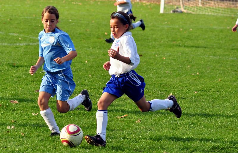 plainville u-11 girls soccer 10-17-10-011.jpg