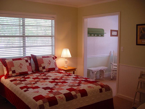 Older Photos of Guest Rooms