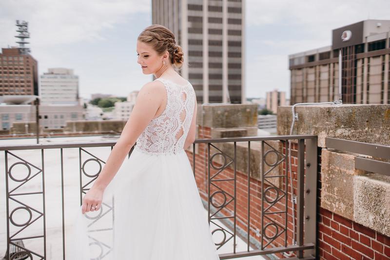 [Bridal Prep] Liz-Dylan-28.jpg