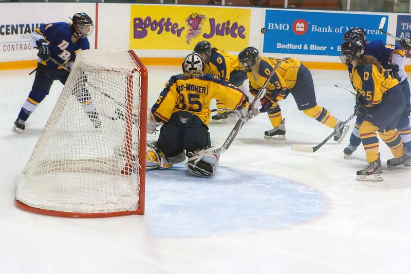 20130310 QWHockeyvsUBC 617.jpg