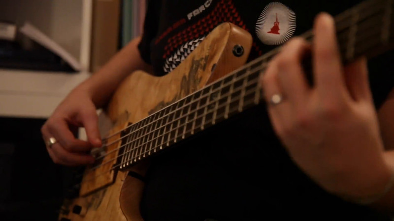 Bass excerpts - Wonderland Sphere (by Andi Wilding) - bass only