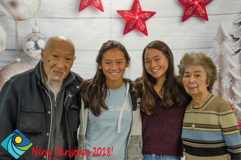 Christmas Photobooth 2018 Sunday-087.jpg