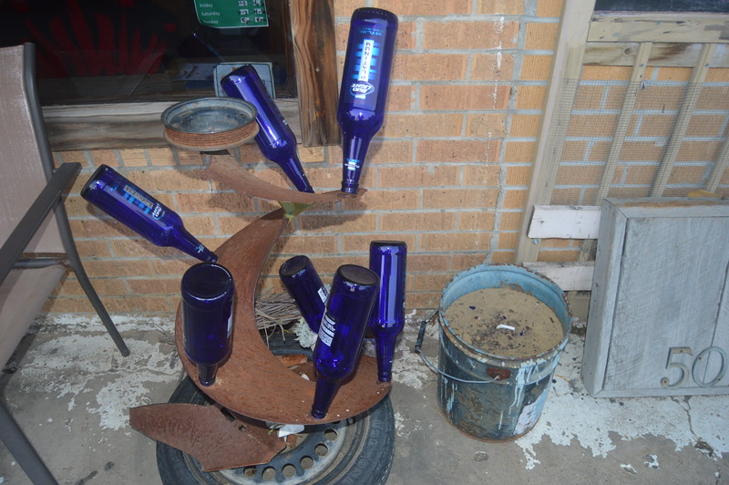 028 Another Bottle Tree, The Blue Biscuit.JPG