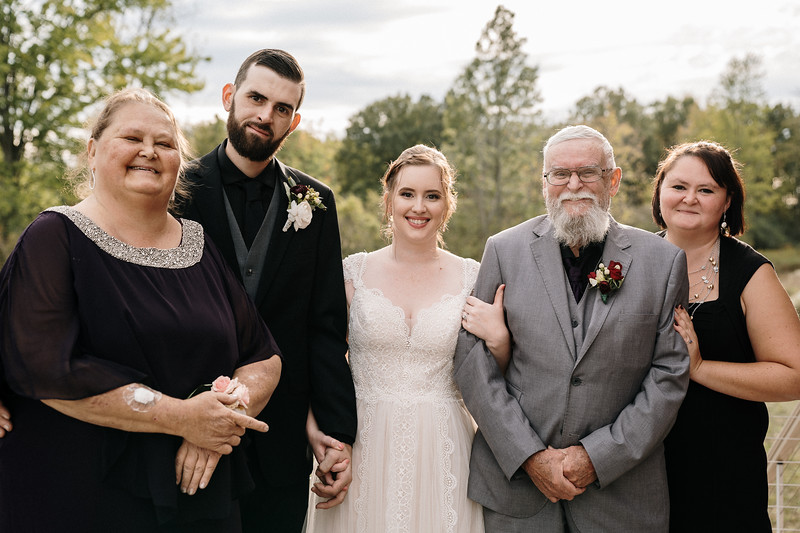 rustic_ohio__fall_barn_wedding-250.jpg