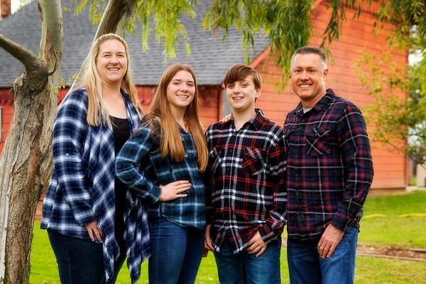 Amy's Family @ Magee Park Dec 2018