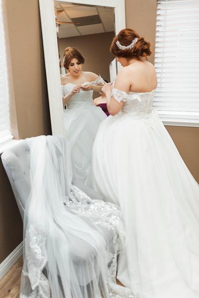 Alexandria Vail Photography Wedgewood Fresno Wedding Alexis   Dezmen207.jpg