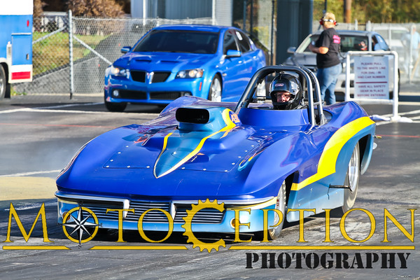 Track - Dragsters and other cars