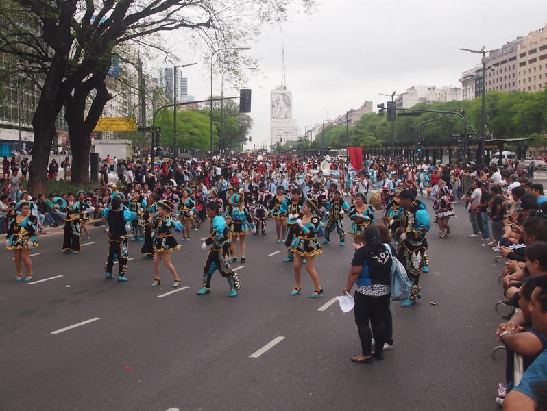 PA184362-parade.JPG