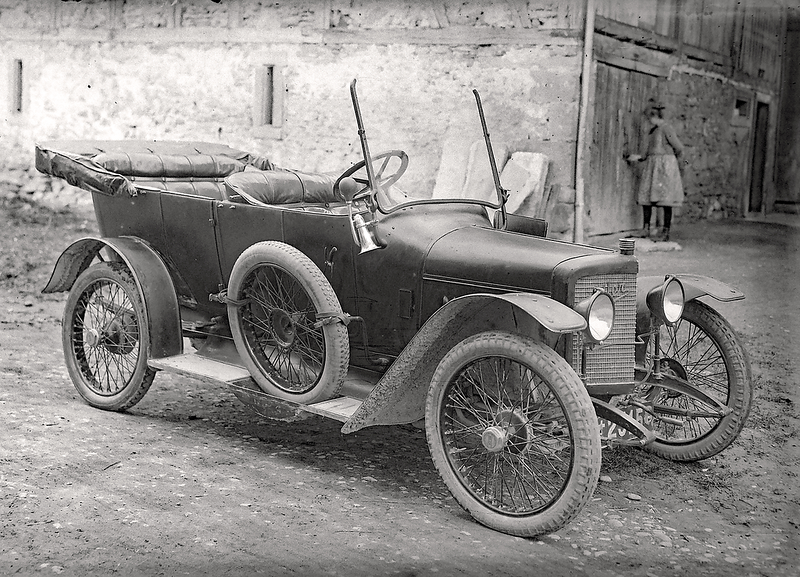 056b Automobil Adler 1920.png