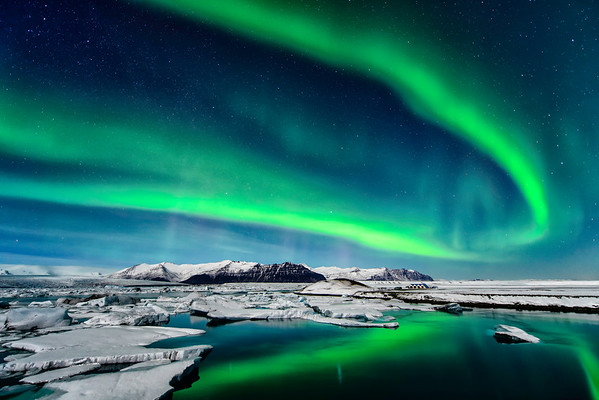 Iceland :  Auroras, Waterfalls and Churches