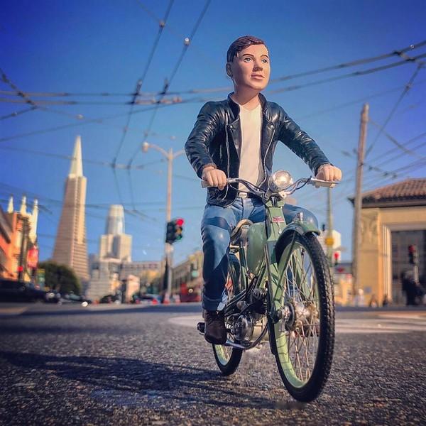 cyclist_schucco_jerrybusiness.JPG