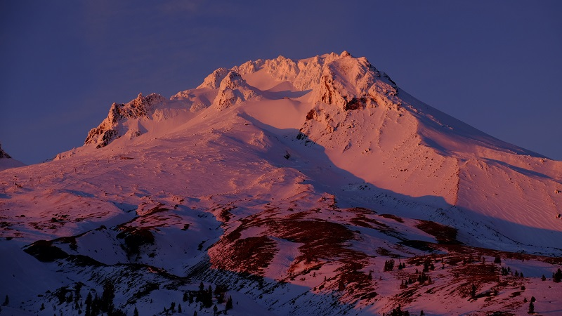 mt hood glowing.jpg
