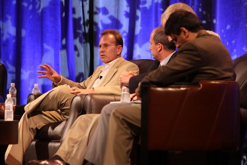 """The Future of Wireless Broadband"": (L-R) Fred Kitson, CVP, Motorola; Chris Pearson, President, 3G Americas; Hugh Bradlow, CTO, Telstra; and Rama Shukla, Intel"