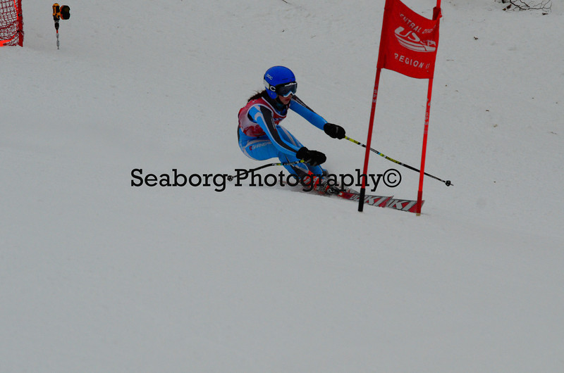 GS 1st race U16 Girls & Older 1st run-9576.jpg