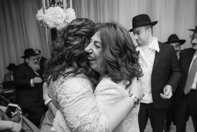 Miri_Chayim_Wedding_BW-603.jpg