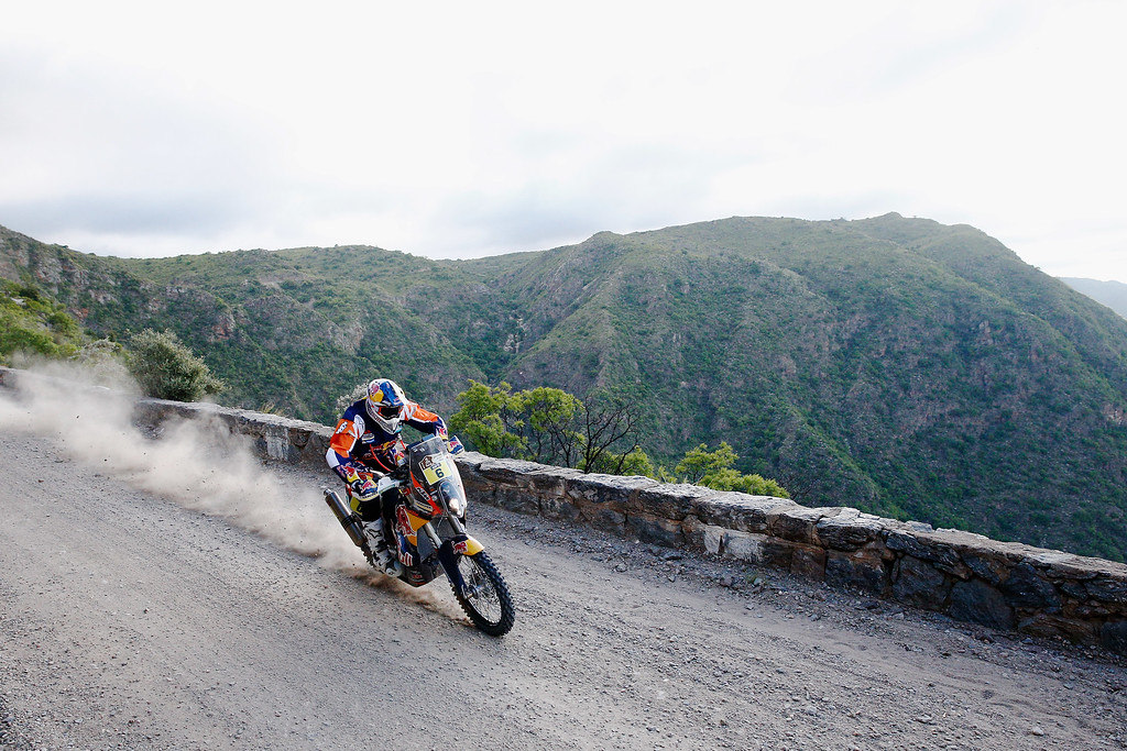 . TANINGA, ARGENTINA - JANUARY 05:  #6 Sam Sunderland of Great Britain and riding the for the Red Bull KTM Factory Team competes during day 2 of the Dakar Rallly on January 5, 2015 between Villa Carlos Paz and San Juan near the town of Taninga, Argentina.  (Photo by Dean Mouhtaropoulos/Getty Images)
