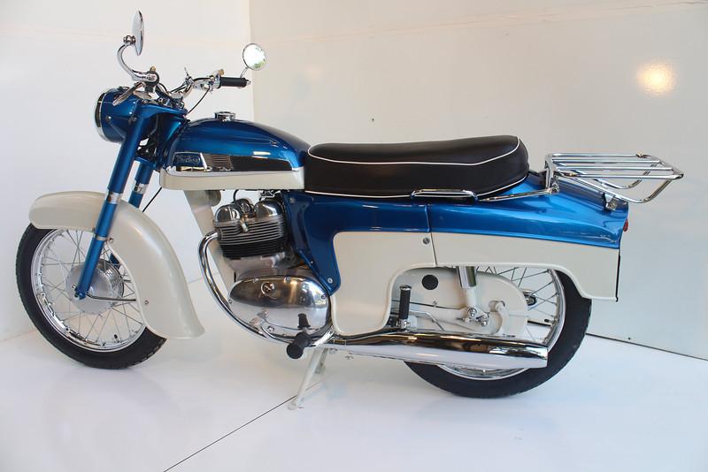 1962 Norton 8-13 030.JPG