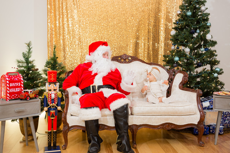 FADS Picture with Santa-193.jpg